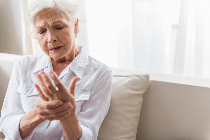 veiksminga tepalas nuo artrito pirštais