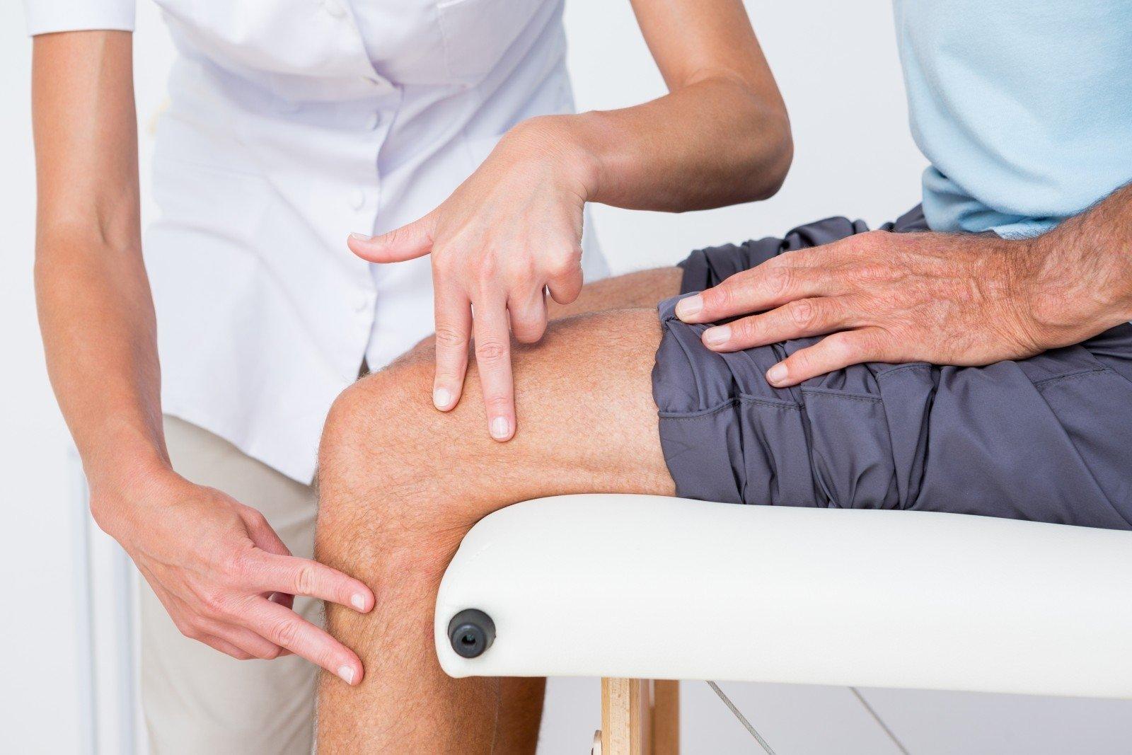 periodiškai sąnarių sustingimas ant pirštų skausmas per visa koja