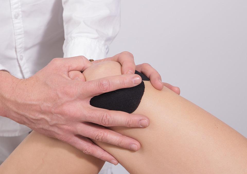 skausmai kaireje krutines puseje