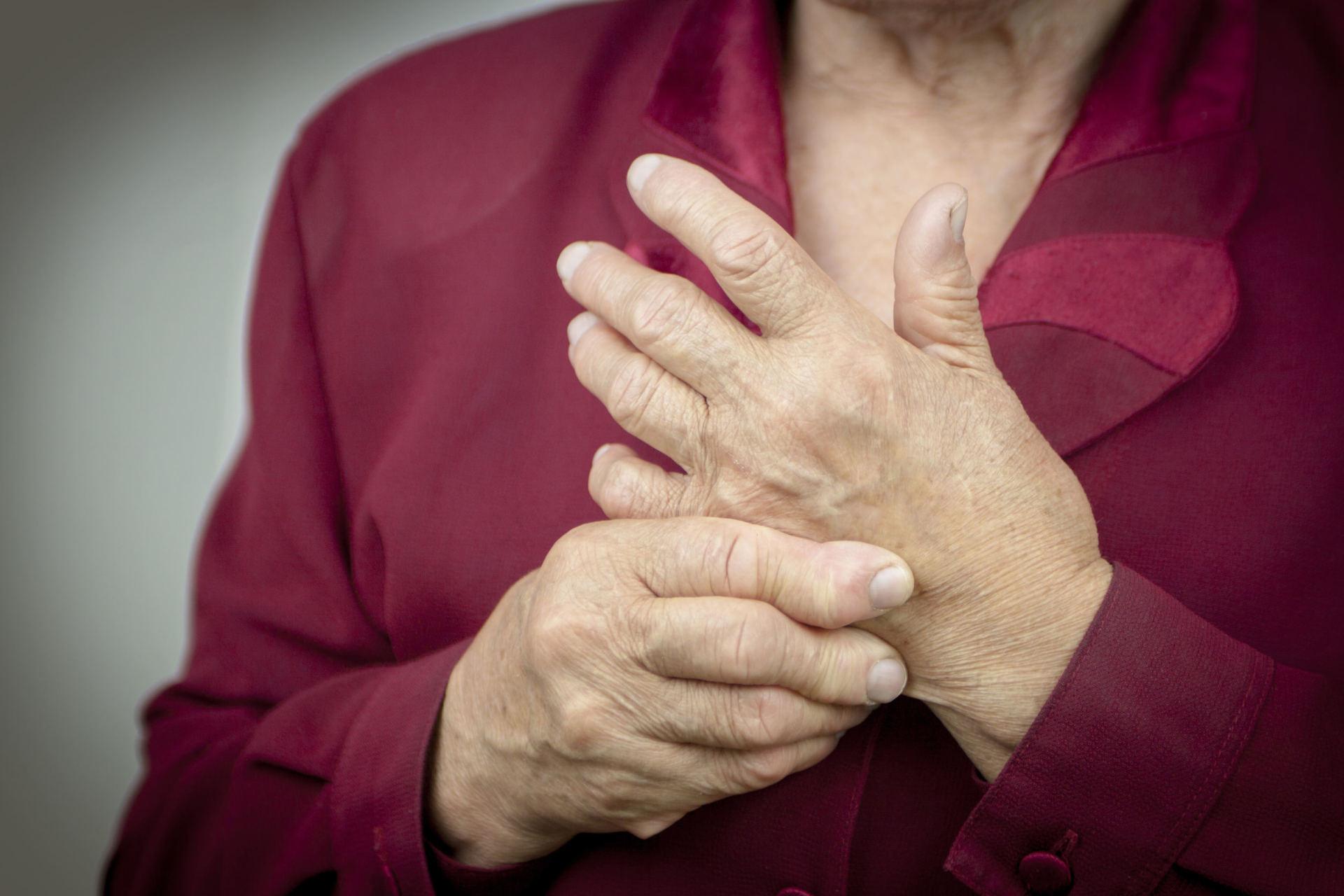 skausmas pečių sąnarių priežastis geliai iš sąnarių uždegimą pavadinimo