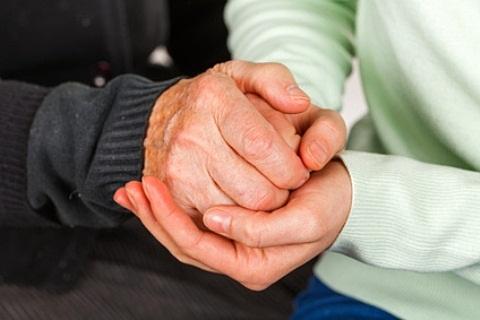kažkas paspaudimų ir skausmas peties sąnario patinimas pirštai artritas