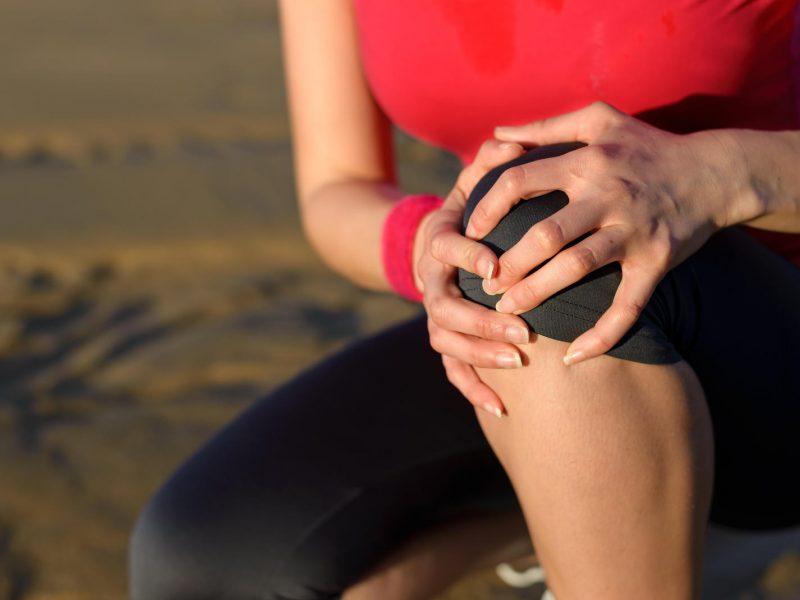aštrus artrito apgailėtinas sąnario