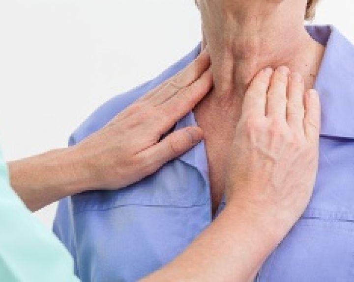 ar sergančių sąnarių skydliaukės silpnumas skausmas pečių sąnarių