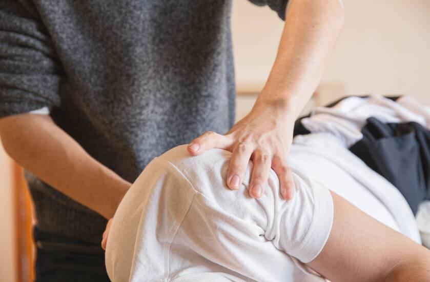 anaerobinis ligos kaulų ir sąnarių skausmas iš piršto sąnario ant rankos gydymas