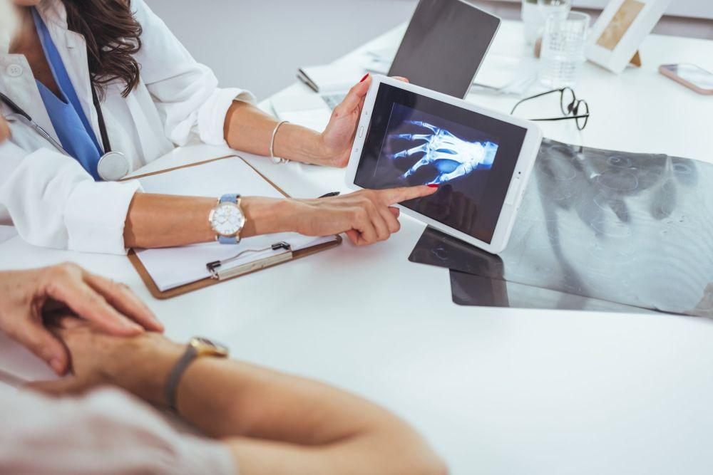 ligų susijusių su raumenų ir sąnarių dirbdami prie kompiuterio nemanau paleisti iš sąnarių skausmo