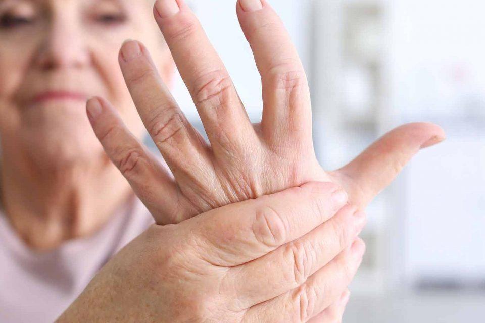 po priveržimo pečių sąnarių skauda skausmas osteochondroze peties sąnario