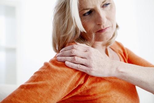 su kokiomis ligomis gerklės sąnarių osteochondrozė kremas