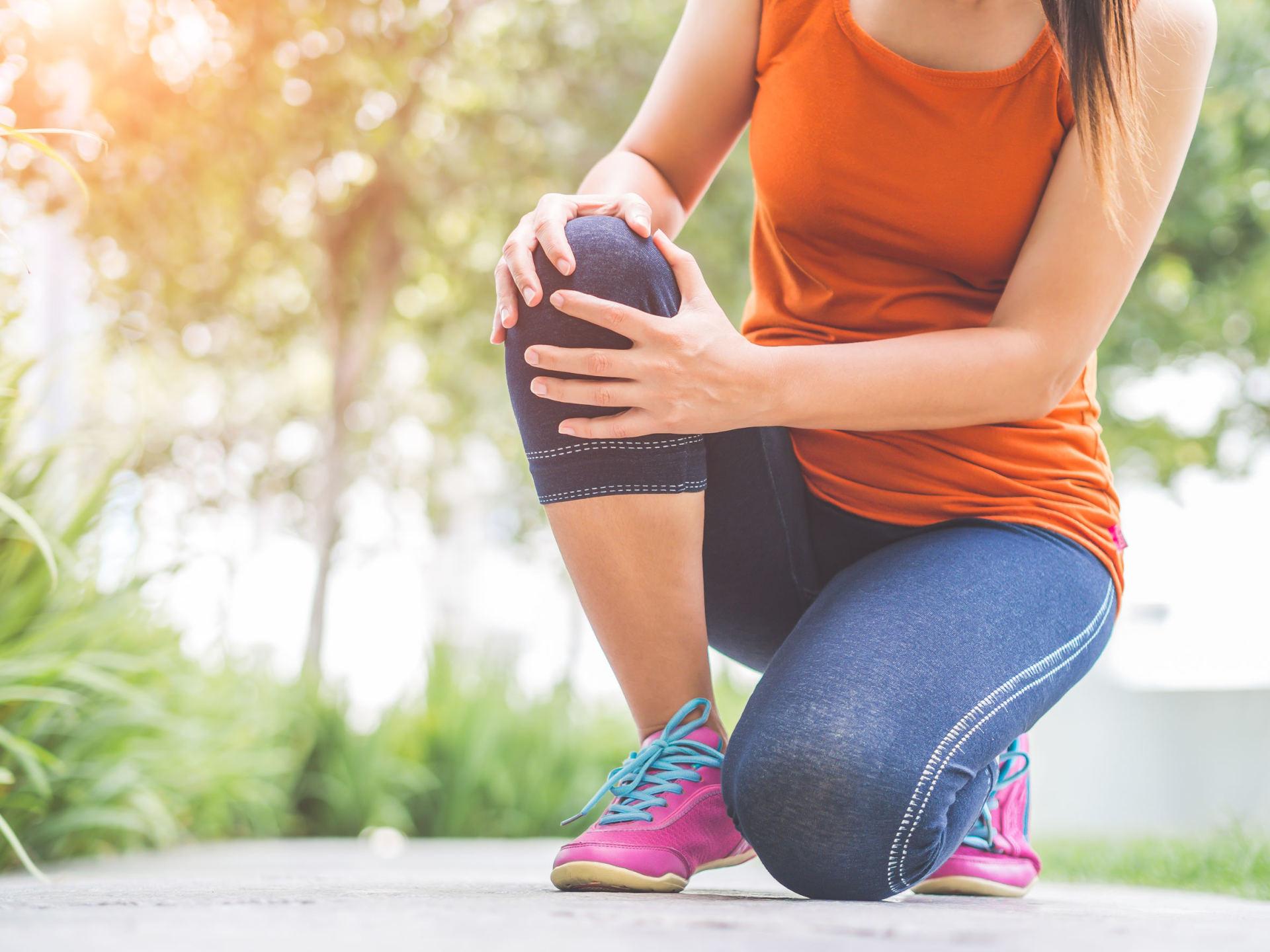 gliukozaminas ir chondroitino darbai nugara skauda ir žandikaulio sąnariai